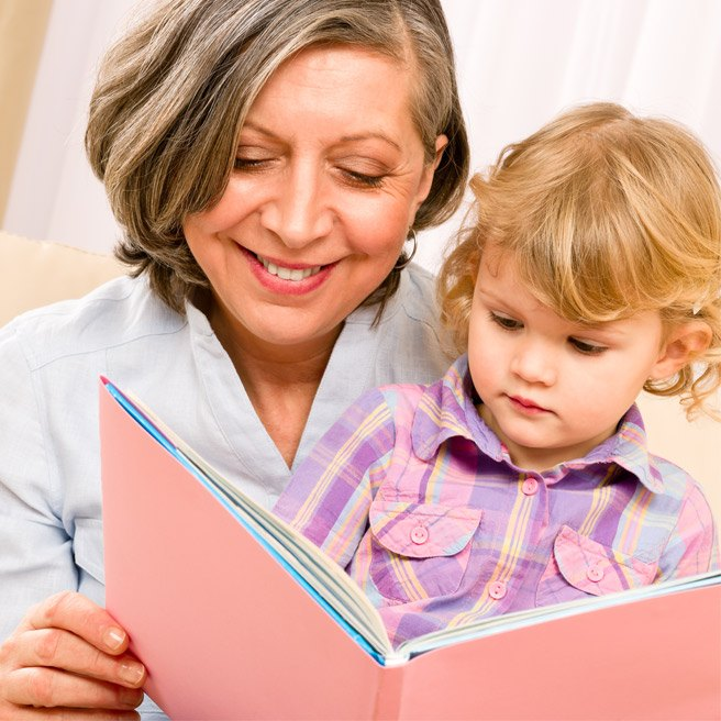 Grandma is reading to grandchild | Protefix